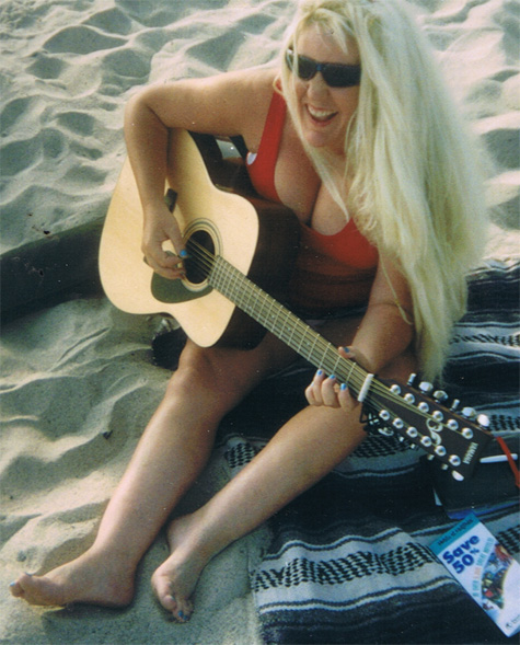 Lori-accoustic-music-laguna-beach-ca from www.lori.fm